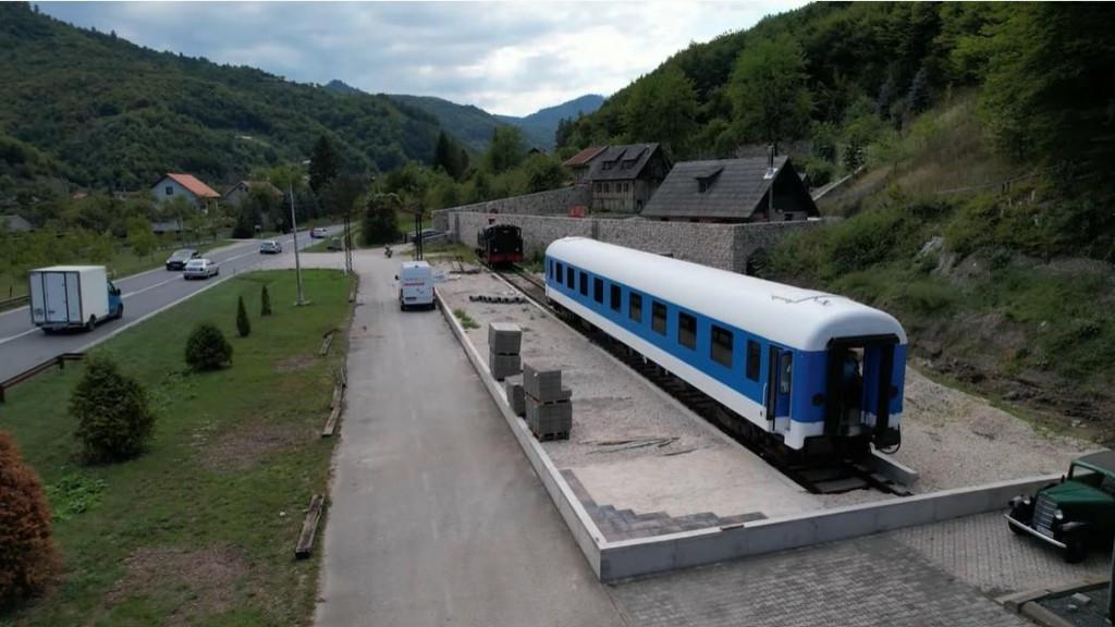 <p>Plavi vlak kod Žepča</p>