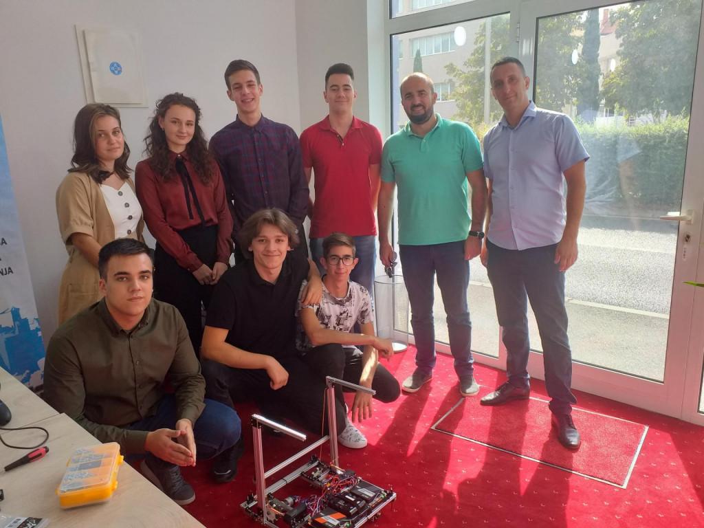 <p>Mladi mostarski robotičari</p>