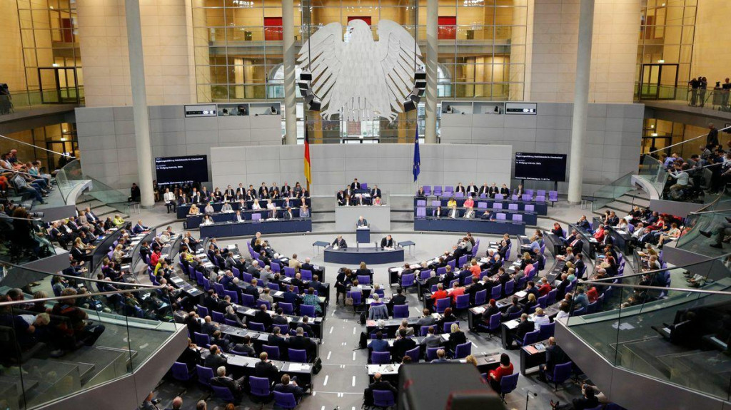 <p>Koliko zarađuju zastupnici u Bundestagu?</p>