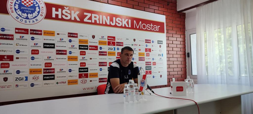 <p>Sergej Jakirović uoči utakmice s Radnikom</p>