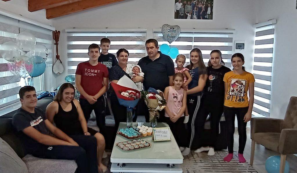 <p>Obitelj Tomić dobila dvanaestog člana</p>