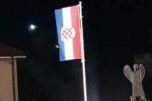<p>Srušena zastava</p>