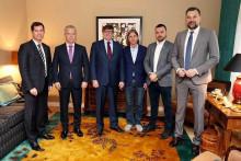 <p>Bošnjački političari na sastanku s Palmerom i Nelsonom</p>