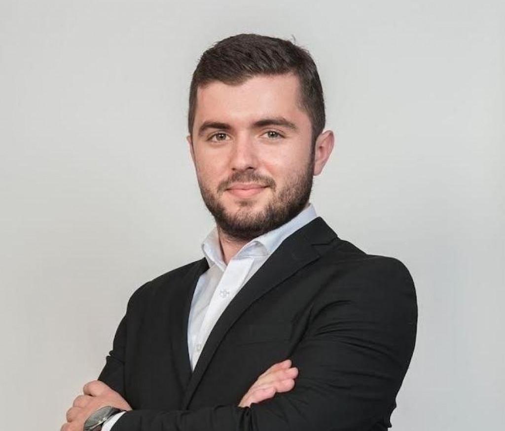 <p>Matias Zečević</p>