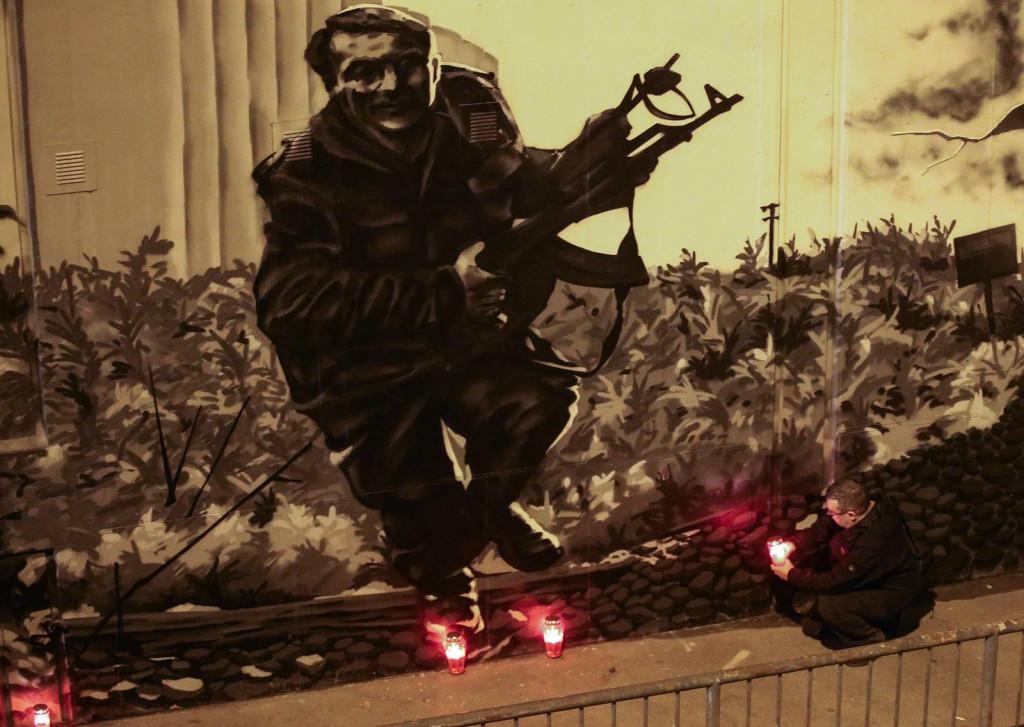 <p>Grafit Vukovara i povjesne fotografije Blage Zadre nacrtane na zidu u Zagrebu</p>