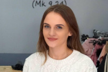 <p>Jelena Šutić iz Mostara, humanitarka i studentica pete godine Teološkog fakulteta u Mostaru, ušla je u prvi krug natjecanja za Hercegovku godine 2021.</p>