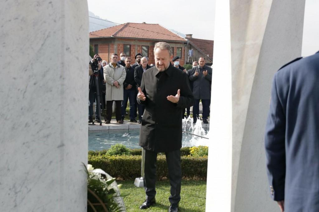 <p>Bakir Izetbegović</p>